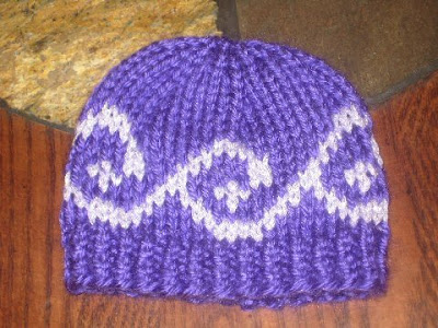 Jen's knits and knonsense: Free pattern--fair isle spiral preemie hat