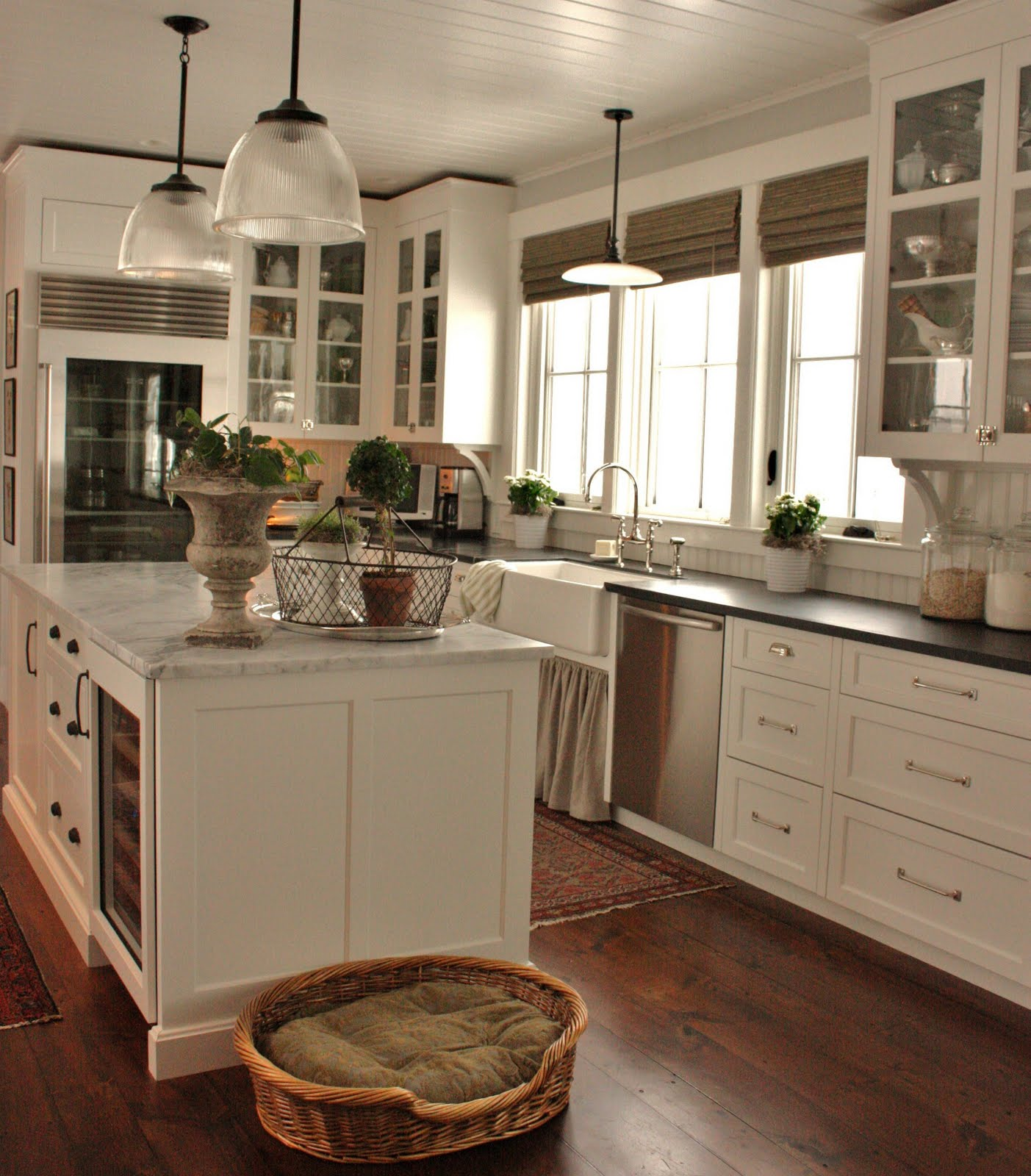 Farmhouse Kitchen White Cabinets cottage farmhouse kitchens {inspiring in white} - fox hollow cottage