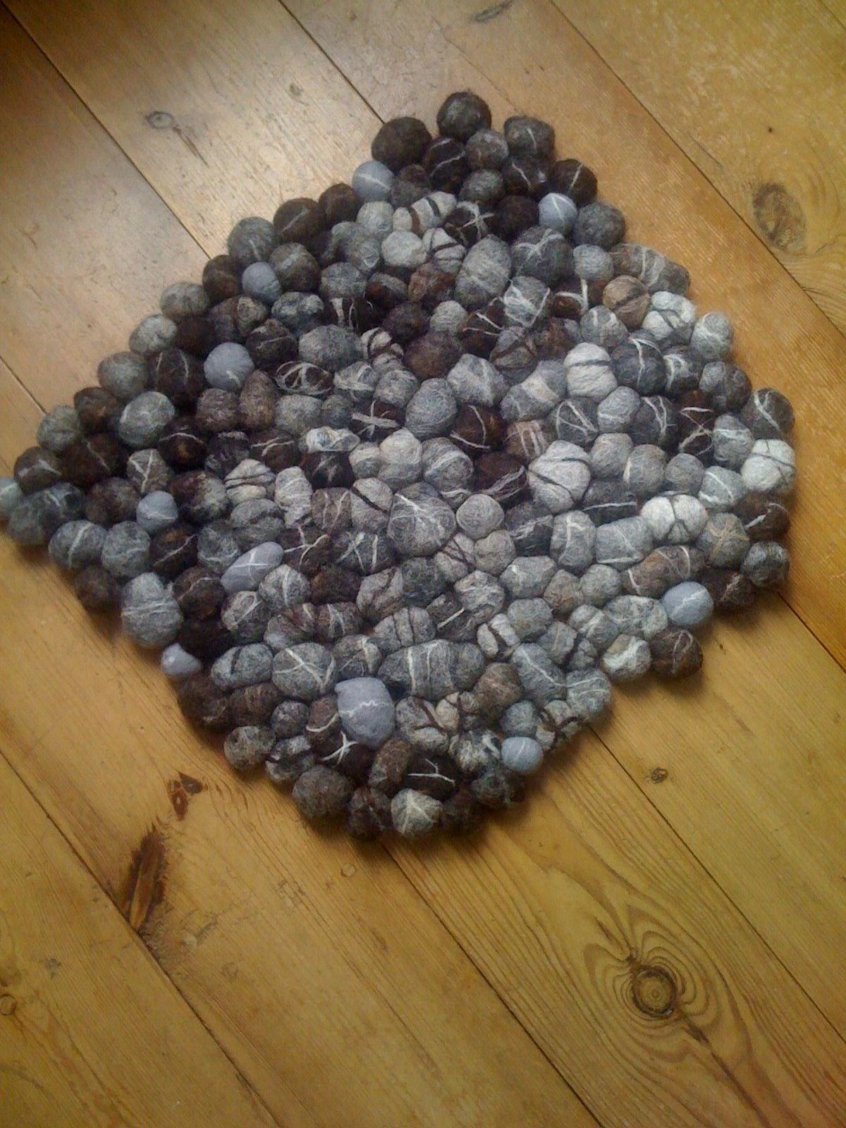 Voorkeur De mooiste dingen maak je zelf: Maak zelf een kleed van vilten stenen AV24
