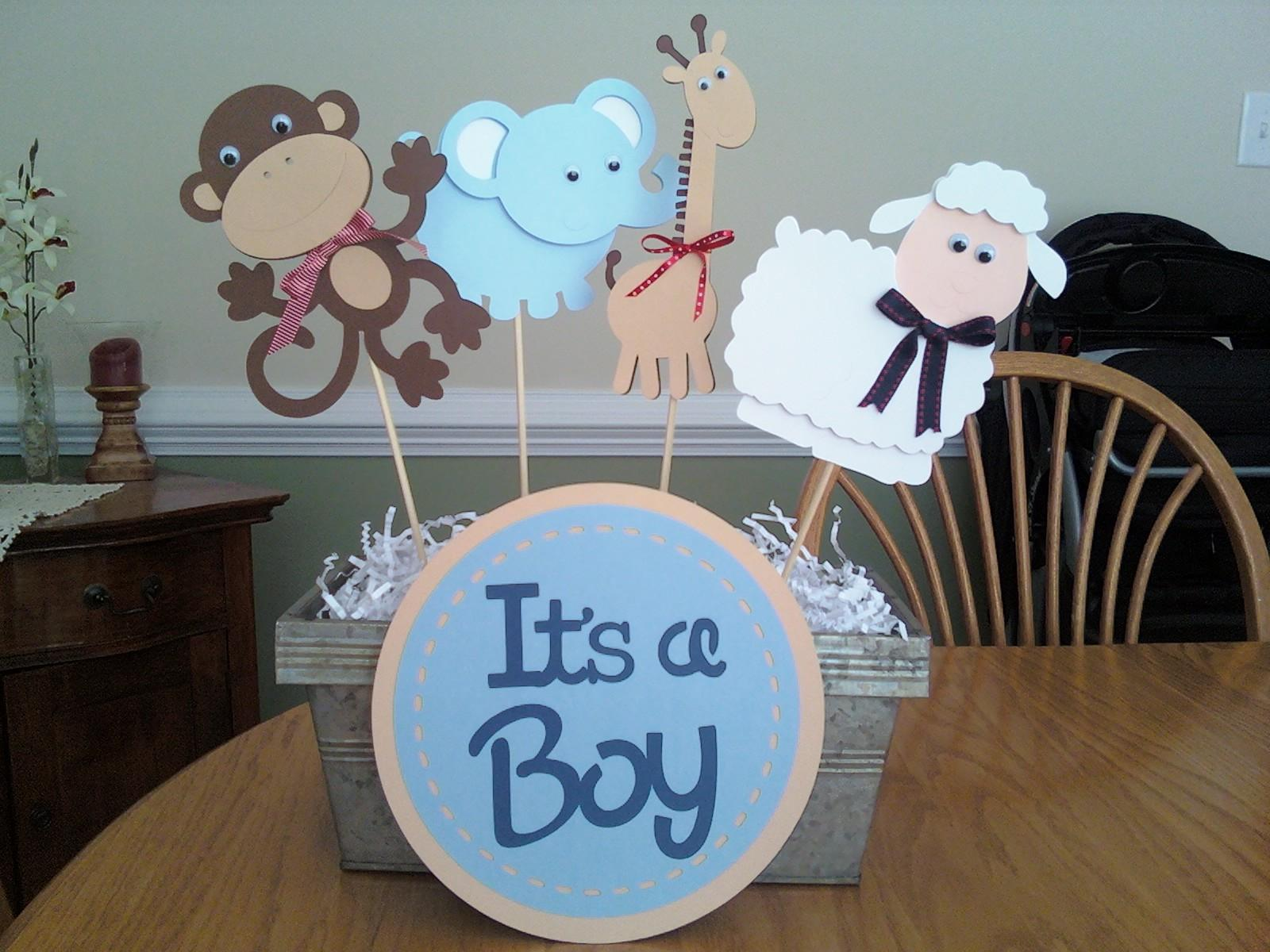 love my cricut this centerpiece was made for a baby shower the