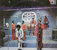 Dimensión Latina en 1975 con Oscar de León y Vladimir Lozano