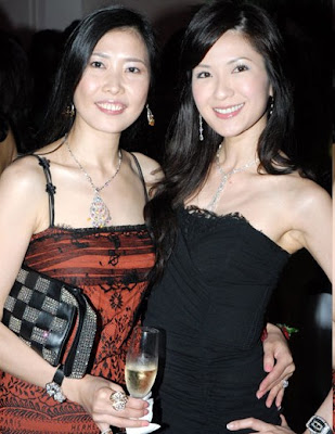 There. that's jamie cuaca. the one on the right, darlings. (the lady