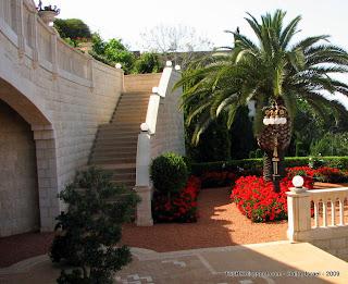 Хайфские сады. На фоне – Средиземноморский порт