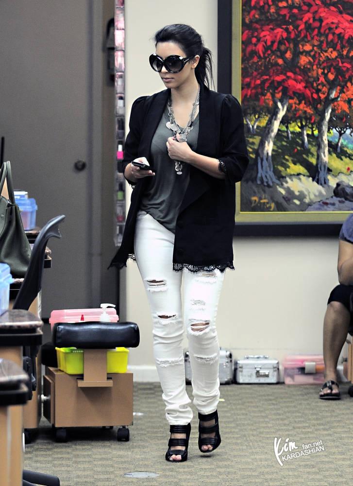 Steal Their Style: Kim Kardashian in White Jet Jeans
