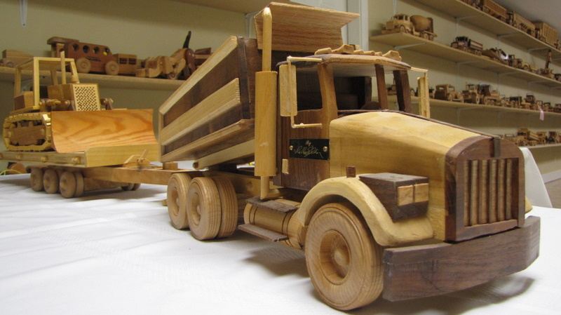 ... vehicle you could imagine. : Wooden Dump Truck Trailer with Cat Set