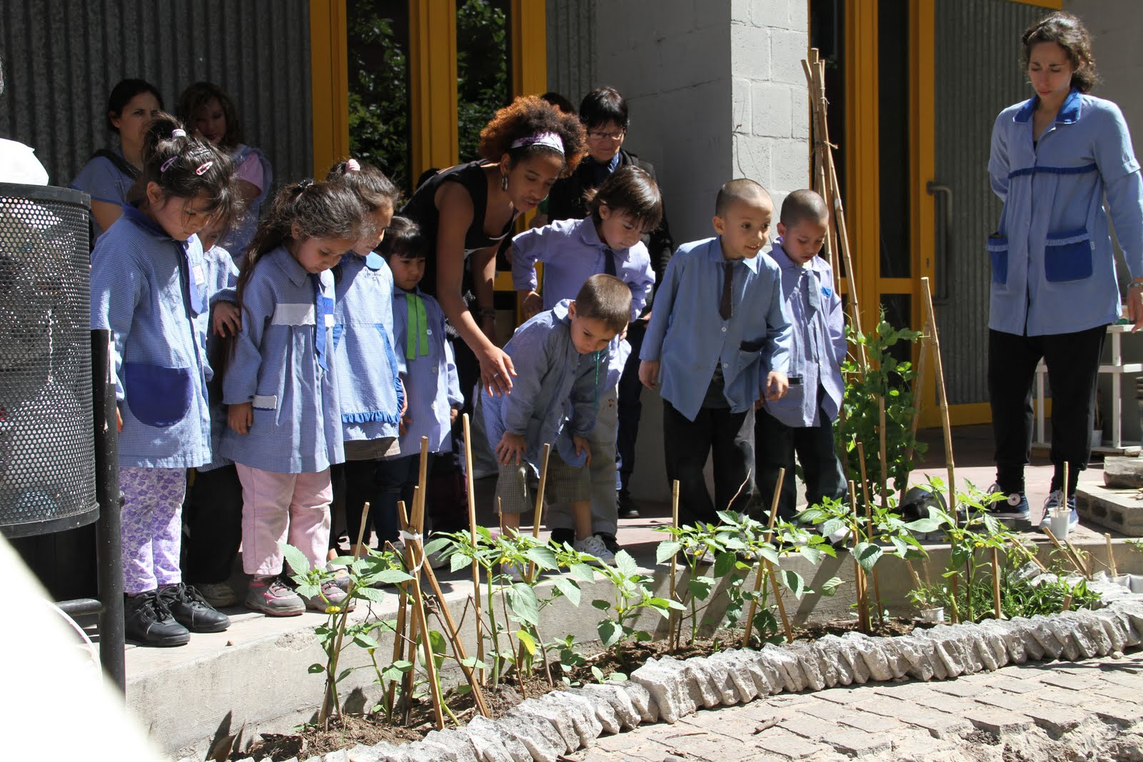 Movimiento afrocultural visita del jardin de infantes de for Jardin de infantes