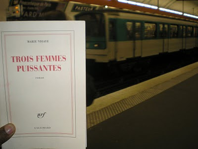 Trois femmes puissantes, libro vincitore di premi e best seller in Francia dell'autrice franco-senegalese Marie Ndiaye