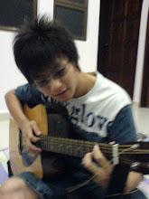 guitar boi ^^