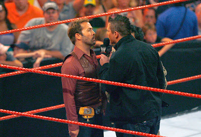����� Jeremy+Piven+Hosts+WWE+Monday+Night+Raw+Mohegan+TgTo_mUyGqHl.jpg