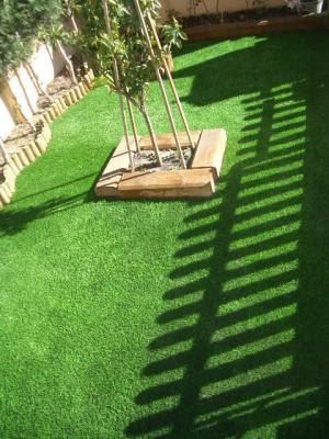 Muebles y decoraci n de interiores cesped artificial para for Decoracion jardin artificial