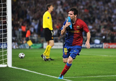 Lionel Messi toasts Barca's