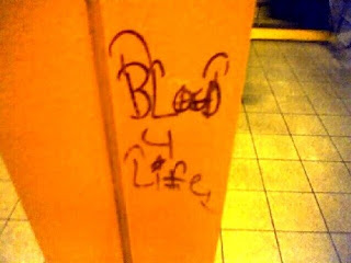 blood graffiti-tree top piru-pirus gang