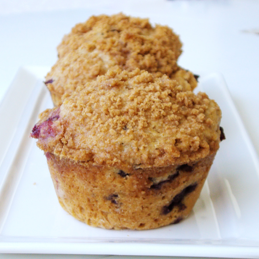 Leanne bakes: Blueberry Crumb Muffins