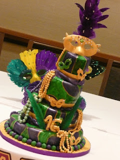 This Mardi Gras Themed Cake Helped Celebrate A Sweet 16 Birthday In Jersey City New Please Visit Us At Roxanascakesto Order Your Next