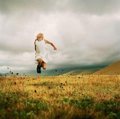 öyle Bir Havada Gel Ki Sebepsiz Sevmektir Aşk