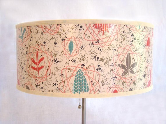 wallpaper drum. vintage wallpaper lamp shade!