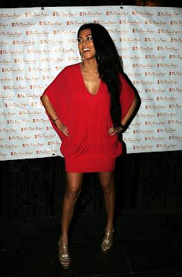 Kim+Kardashian%E2%80%99s+sister+Kourtney+Kardashian+Panty+Upskirt+Pictures+GutterUncensored.com+kardashian up sister 6 big Kim Kardashian's Sister Kourtney Kardashian Panty Upskirt Pictures