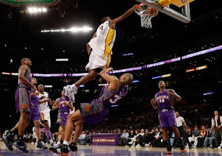 Trevor Ariza dunking
