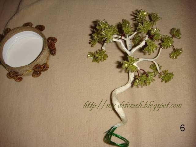Мастер-класс Дерево из бисера.  А затем залила гипс в горшок и посадила.