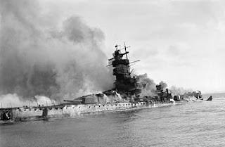 Graf Spee en llamas