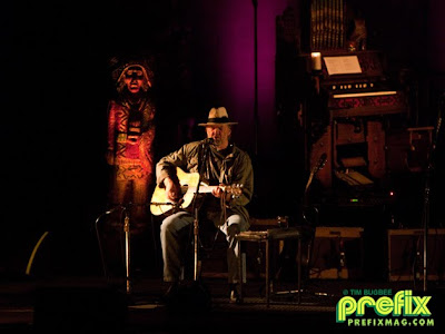 neil-young-hanover-theatre-in-worcester
