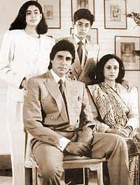Amitabh+Bachan+Family+Pic Amitab Bachan Pics since childhood