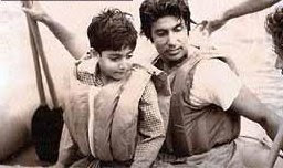 Amitabh+Bachan+with+son+Abhishek Amitab Bachan Pics since childhood