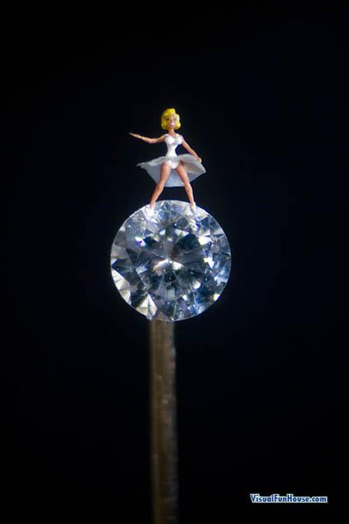 The Marvellous Microscopic Sculpture Art Of Willard Wigan - Texaslonghornbull