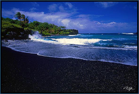 Amazing Black Sand Beaches World 39 S Strange Places