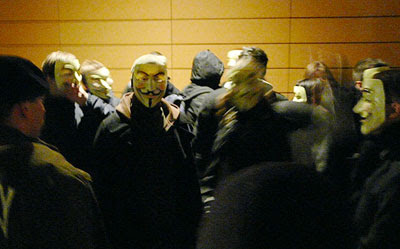 Anonymous nach der Demonstration