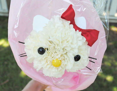 how to make a hello kitty flower bouquet