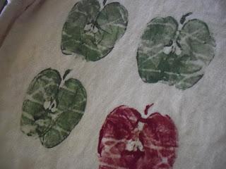 Fall kid craft shirt apples