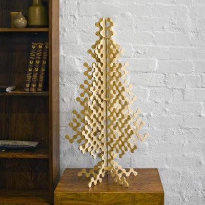Save the trees elle decoration for Plywood christmas tree