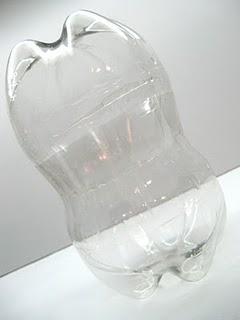 Часть 1. Часть 2. Как из пластиковой бутыли сделать пингвина? http://present.my1.ru/load/24-1-0-1025.