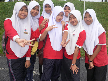 MA FRIENDS ! ! =D