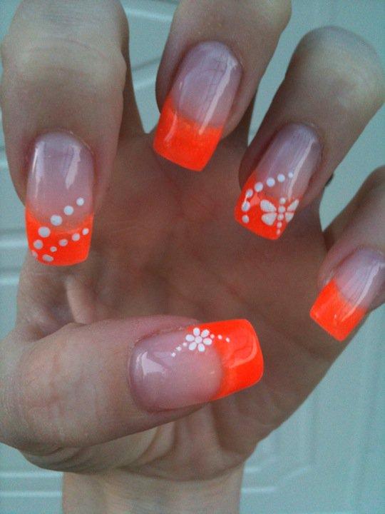 neon naglar