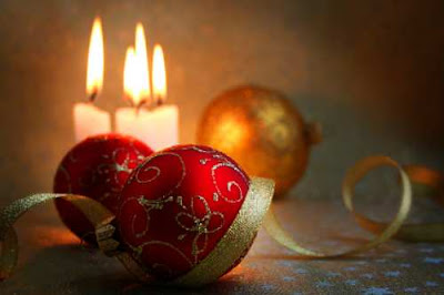 christmas candles photo snap download christian free desktop backgrounds coloring pages children 2009 wallpapers red glazing sparkling bolls ornament decorations presents