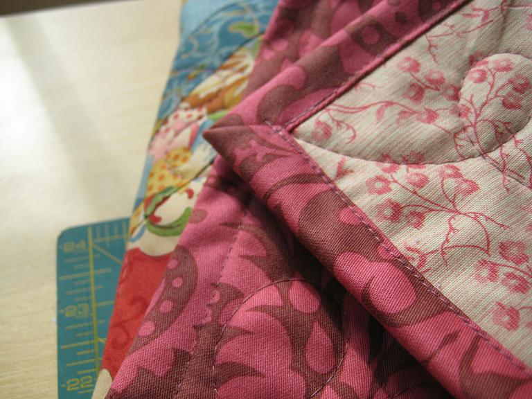 Quick Quilt Binding | Quilting in the Rain : binding on a quilt - Adamdwight.com