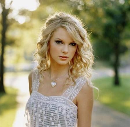 Download Wallpaper. HD Taylor Swift