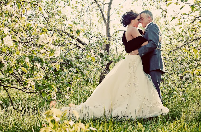 This wedding is also freshly published on The Wedding Chicks website