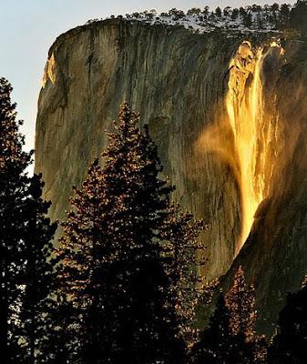 keajaiban alam air terjun api