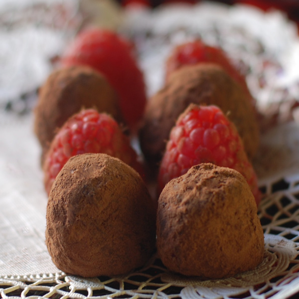 lostpastremembered: Mother's Day Raspberry Rose Truffles and Champagne