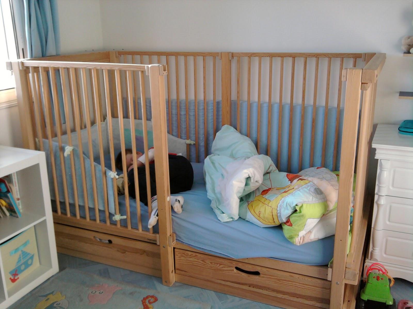 c 39 est l 39 histoire de thomas. Black Bedroom Furniture Sets. Home Design Ideas