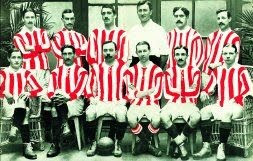 Foto histórica de uno de los equipos-tipo de la temporada 1909-10