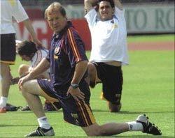 Manolo Delgado dirigiendo una de las sesiones de preparación física de la Selección Española de Fútbol.