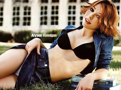 Alyson Hannigan sexy wallpaper