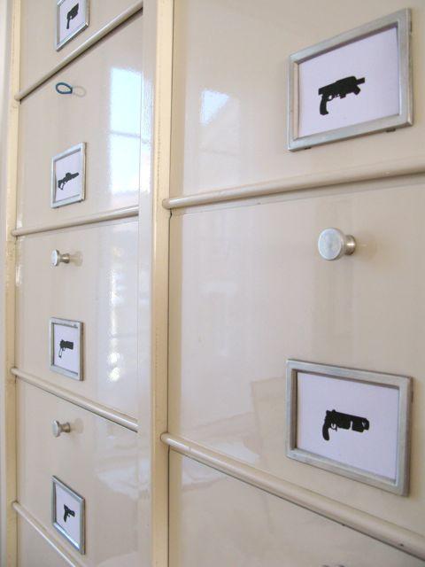 madame bidule le blog d co design abordable pour petits et grands armoire metallique clapets. Black Bedroom Furniture Sets. Home Design Ideas