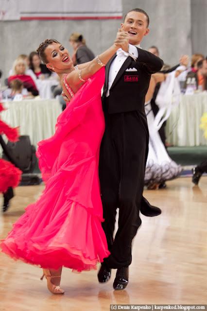 Пара выступает на чемпионате Европы по 10 танцам в рамках Belarus Open в  Минске, Беларусь 13.11.2010