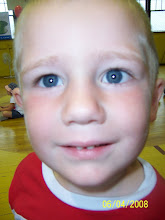 "Look at my ""buutiful"" blue eyes!!"