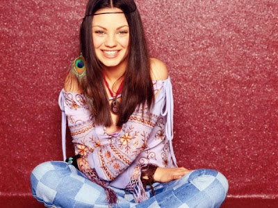 Fashion on Image Of Mila Kunis Dressed In Her 70s Show Hippy Clothes